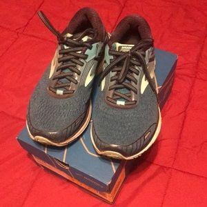 e17b89fb4e9 Women s Brooks Running Shoes For Pronation on Poshmark